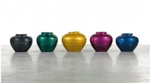 Chinese Artist Ai Weiwei Sprays Automotive Coating on 5 Vases of Han Dynasty and Won 191 Thousand Pounds at Auction